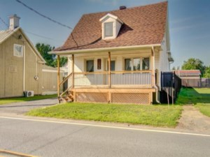 26189192 - One-and-a-half-storey house for sale