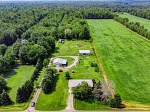 10914158 - Hobby Farm for sale