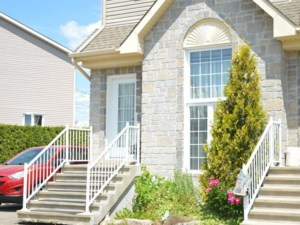 21048148 - Two-storey, semi-detached for sale