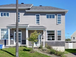 10116017 - Two-storey, semi-detached for sale