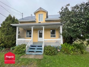 18764143 - One-and-a-half-storey house for sale