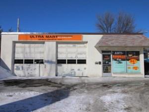 9584103 - Bâtisse commerciale/Bureau à vendre