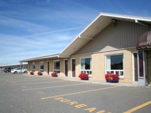 21064100 - Bâtisse commerciale/Bureau à vendre