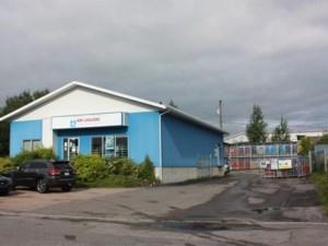 15360511 - Bâtisse commerciale/Bureau à vendre