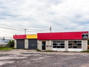 18213567 - Bâtisse commerciale/Bureau à vendre