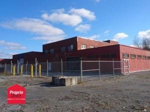 23642621 - Bâtisse industrielle à vendre