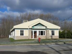 23666216 - Bâtisse commerciale/Bureau à vendre