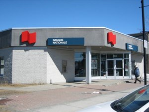 10681370 - Bâtisse commerciale/Bureau à vendre