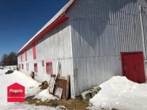 26215740 - Bâtisse commerciale/Bureau à vendre