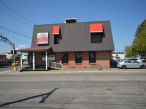 26400792 - Bâtisse commerciale/Bureau à vendre
