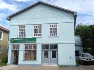 28447282 - Bâtisse commerciale/Bureau à vendre