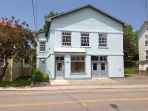 10997003 - Bâtisse commerciale/Bureau à vendre