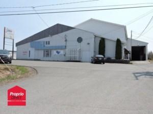 26518356 - Bâtisse commerciale/Bureau à vendre