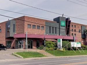 19022610 - Bâtisse commerciale/Bureau à vendre