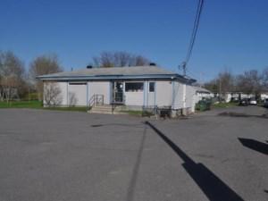 17069802 - Bâtisse commerciale/Bureau à vendre