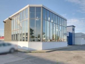 21615260 - Bâtisse commerciale/Bureau à vendre