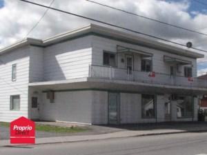 24621592 - Bâtisse commerciale/Bureau à vendre