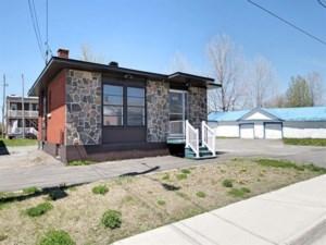 21044077 - Bâtisse commerciale/Bureau à vendre