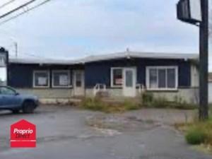 10116504 - Bâtisse commerciale/Bureau à vendre