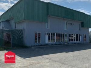 17088897 - Bâtisse commerciale/Bureau à vendre