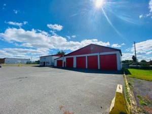 27025158 - Bâtisse commerciale/Bureau à vendre