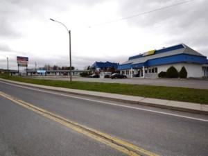 10435337 - Bâtisse commerciale/Bureau à vendre
