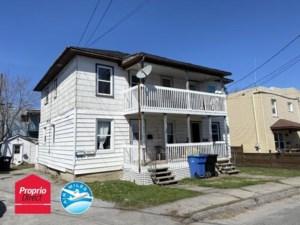 12300459 - Quadruplex à vendre