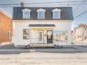 18699167 - Duplex à vendre