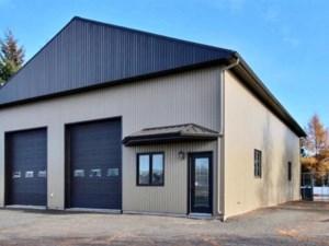 23338211 - Bâtisse commerciale/Bureau à vendre