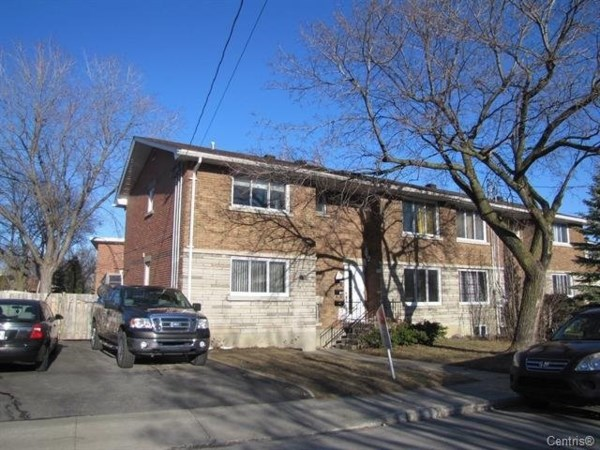 Appartement louer laval ko727 publimaison for Location garage laval