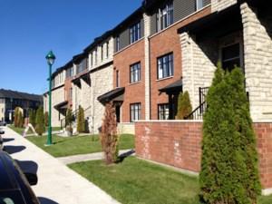 Logements (Appartement / Condo / etc.) à louer