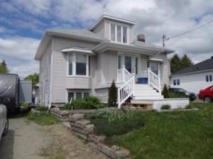 19744766 - Maison à étages à vendre