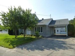 9968155 - Maison à étages à vendre