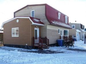19735122 - Maison à étages à vendre