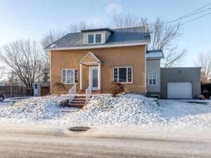 18842101 - Maison à étages à vendre