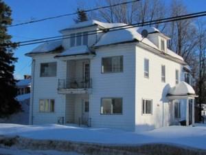 24830861 - Maison à étages à vendre