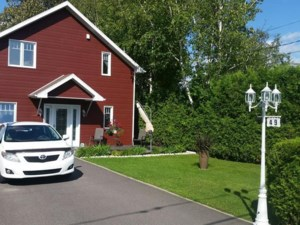 22708608 - Maison à étages à vendre
