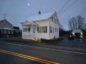 13855604 - Maison à étages à vendre
