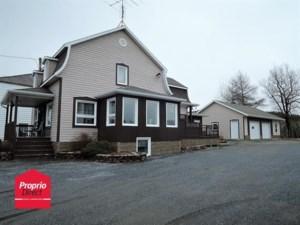 28490151 - Maison à étages à vendre