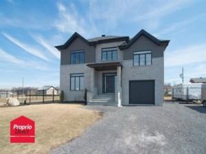 26408565 - Maison à étages à vendre