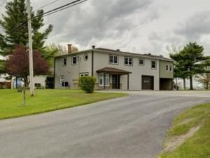 25774391 - Maison à étages à vendre