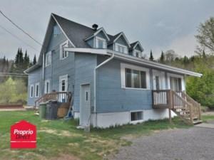 10602015 - Maison à étages à vendre