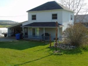 23491663 - Maison à étages à vendre