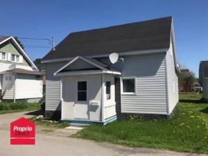 13186933 - Maison à étages à vendre