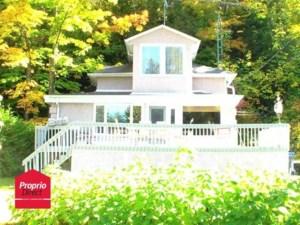 24509644 - Maison à étages à vendre