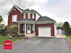 24944671 - Maison à étages à vendre