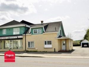 23216623 - Maison à étages à vendre