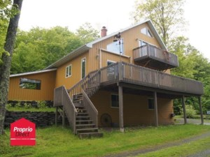 24457701 - Maison à étages à vendre
