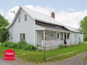 27904842 - Maison à étages à vendre