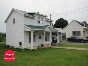 28084813 - Maison à étages à vendre
